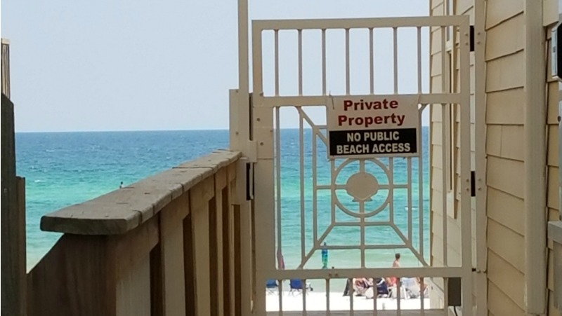 Leeward I Gated beach access